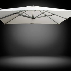 Fuerto Pro cantilever parasol for commercial use